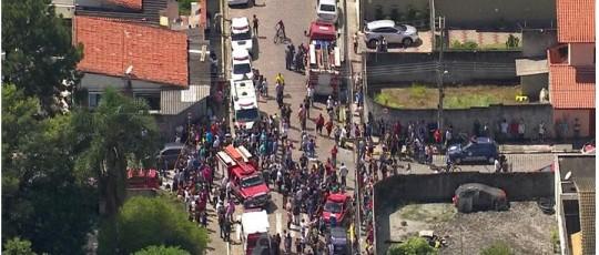 TRAGÉDIA. Adolescentes atiram dentro de escola na Grande São Paulo, matam oito e depois de